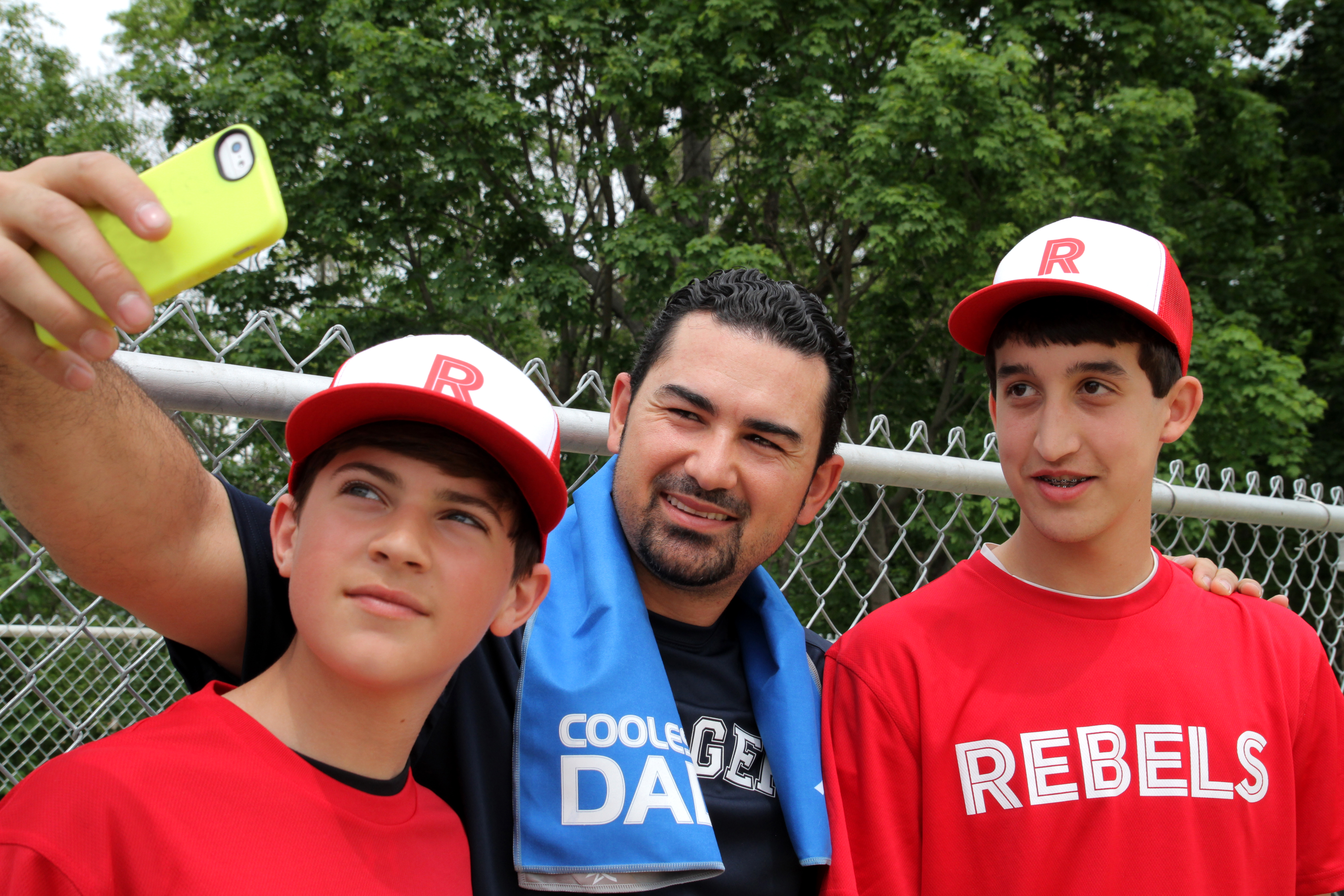 Mission_Athletecare_Gonzalez_Shock_Grip_Video_Selfie_Fathers_Day_EnduraCool_Cooling_Towel2