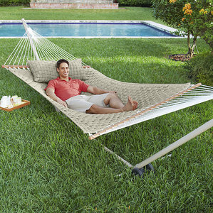 Mission_Athletecare_Fathers_Day_Gift_Guide_Hammock_Relax_Brookstone