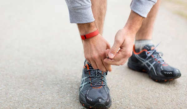 Mission_Athletecare_Fathers_Day_Gift_Guide_Flex_Band_Workout_FitBit_1